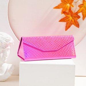 Складной футляр для очков с принтом змеиной кожи SHEIN. Цвет: розовые