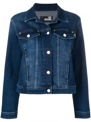 Джинсовая куртка Moschino Heart Love. Цвет: синий