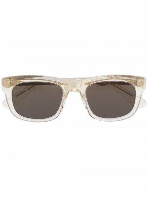 Солнцезащитные очки в квадратной оправе Han Kjøbenhavn. Цвет: нейтральные цвета