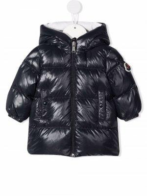 Hooded zip-up down jacket Moncler Enfant. Цвет: синий