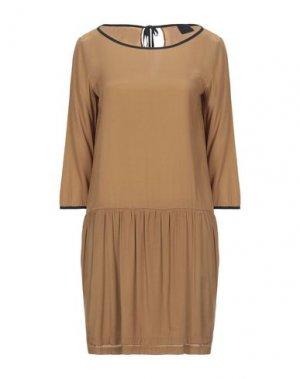Короткое платье GOTHA. Цвет: верблюжий
