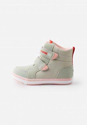 Ботинки tec Patter Зеленые Reima. Цвет: зеленый