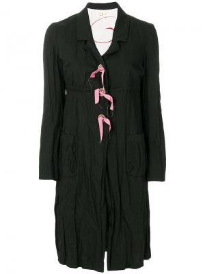 Пальто средней длины со складками Romeo Gigli Pre-Owned. Цвет: черный