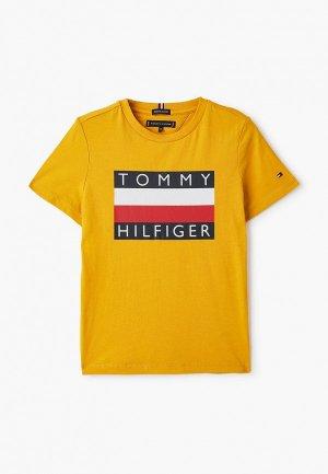 Футболка Tommy Hilfiger. Цвет: желтый