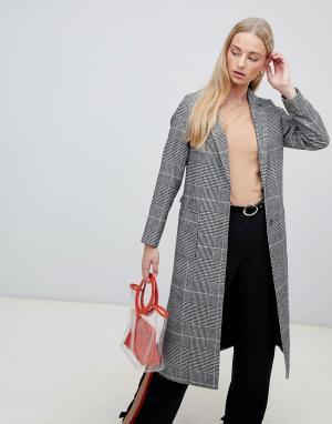 Длинное пальто в клетку New Look. Цвет: черный
