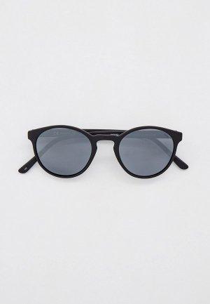 Очки солнцезащитные Invu с поляризационными линзами. Цвет: черный