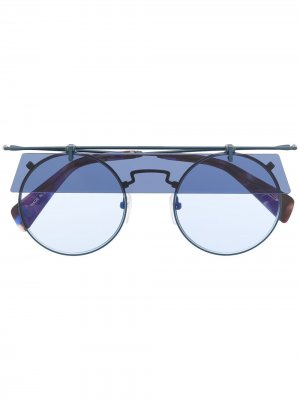 Солнцезащитные очки в овальной оправе Yohji Yamamoto. Цвет: синий