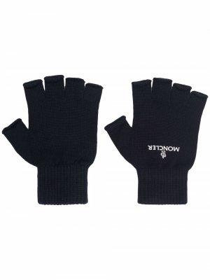 Перчатки-митенки с логотипом Moncler. Цвет: синий