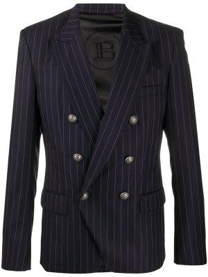 Двубортный пиджак в тонкую полоску Balmain. Цвет: синий