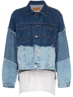 Джинсовая куртка в технике пэчворк с необработанными краями Natasha Zinko. Цвет: синий