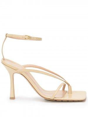 Босоножки с квадратным носком Bottega Veneta. Цвет: нейтральные цвета