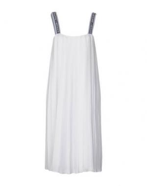 Платье до колена AMERICAN RETRO. Цвет: белый