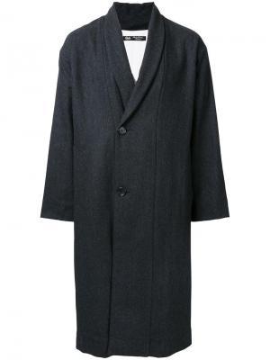 Пальто с воротником-шалькой узором-елочкой Gold. Цвет: серый