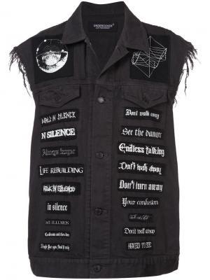Джинсовая жилетка с нашивками UNDERCOVER. Цвет: серый