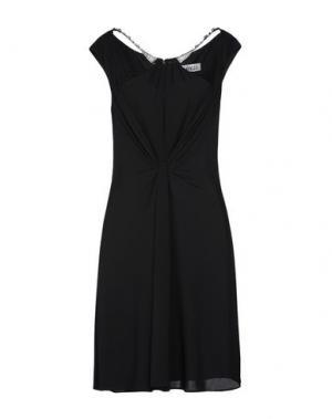 Короткое платье LEXUS. Цвет: черный