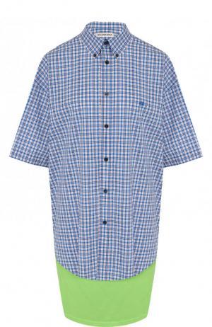Хлопковая блуза асимметричного кроя в клетку Balenciaga. Цвет: синий