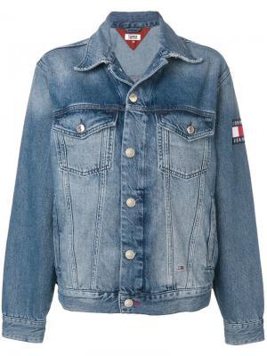 Джинсовая куртка с выцветшим эффектом Tommy Jeans. Цвет: синий