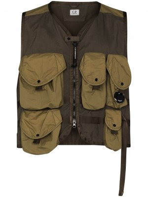 Жилет с накладными карманами C.P. Company. Цвет: зеленый