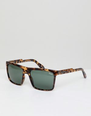 Квадратные солнцезащитные очки в черепаховой оправе Let It Run Quay Australia. Цвет: коричневый