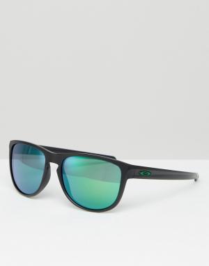 Солнцезащитные очки в квадратной оправе с зеркальными стеклами Oakley. Цвет: черный