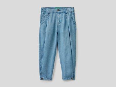 Легкие джинсы из лиоцелла Benetton. Цвет: голубой