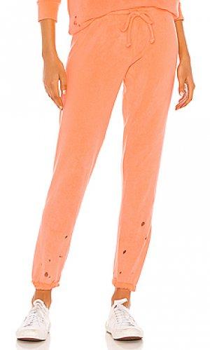 Брюки Chaser. Цвет: оранжевый