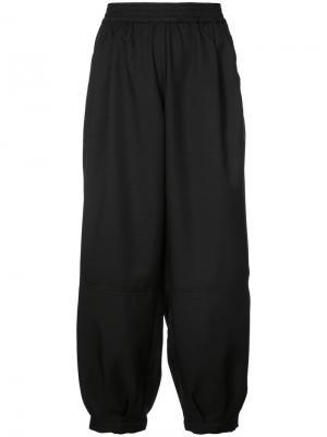 Спортивные брюки-шаровары The Celect. Цвет: черный