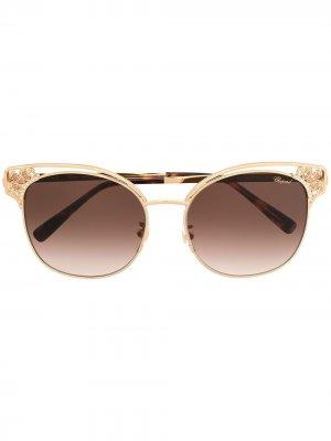 Солнцезащитные очки в оправе кошачий глаз Chopard Eyewear. Цвет: золотистый