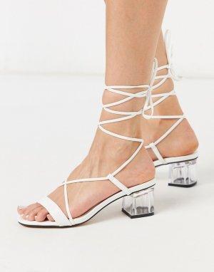 Белые босоножки на блочном каблуке с ремешками -Белый Topshop