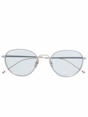 Солнцезащитные очки TBS119 в круглой оправе Thom Browne Eyewear. Цвет: серебристый