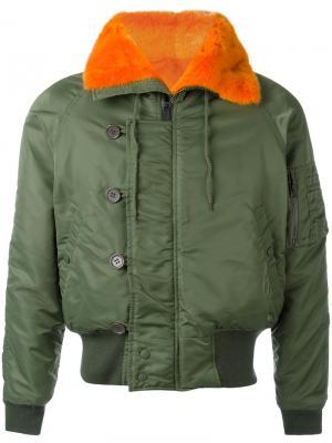 Куртка-бомбер с меховой окантовкой Liska. Цвет: зелёный