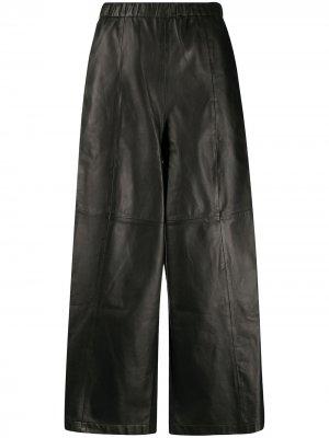 Укороченные брюки с контрастными вставками Alysi. Цвет: черный
