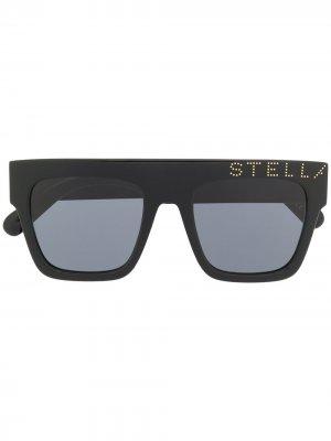 Солнцезащитные очки в квадратной оправе с логотипом Stella McCartney. Цвет: черный