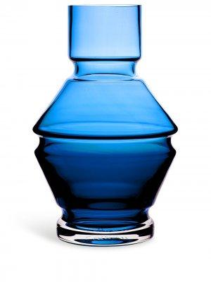 Стеклянная ваза Relæ (18 см) Raawi. Цвет: синий