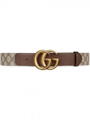Ремень с пряжкой GG Gucci. Цвет: коричневый