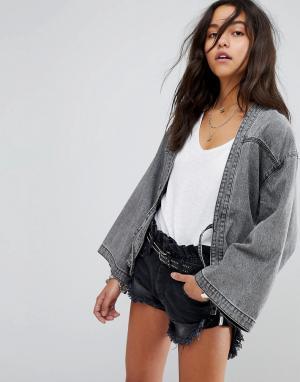 Джинсовая куртка в стиле кимоно с завязками One Teaspoon. Цвет: серый