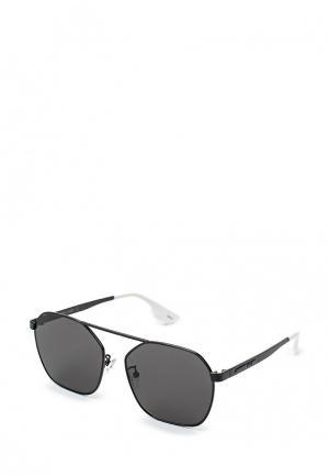 Очки солнцезащитные McQ Alexander McQueen MQ0076S 002. Цвет: черный
