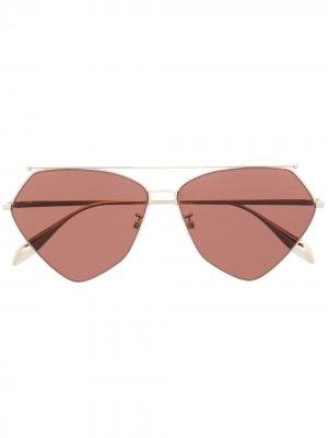 Солнцезащитные очки-авиаторы Alexander McQueen Eyewear. Цвет: золотистый