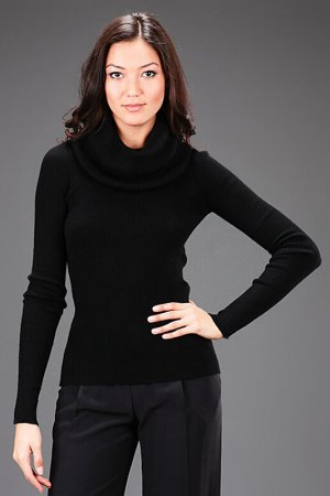 Пуловер с воротником Bill Blass. Цвет: черный