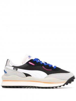 Кроссовки с контрастными вставками и вышитым логотипом Puma. Цвет: черный