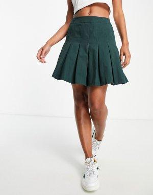 Плиссированная теннисная мини-юбка зеленого цвета x Saffron Barker-Зеленый цвет In The Style