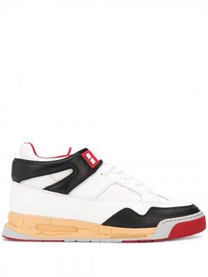 Кроссовки на шнуровке со вставками Maison Margiela. Цвет: белый