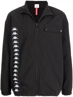 Куртка на молнии с логотипом Kappa. Цвет: черный