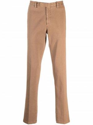 Прямые брюки чинос Boglioli. Цвет: коричневый
