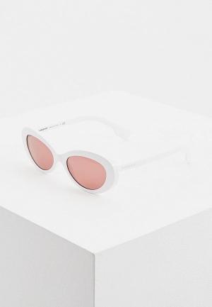 Очки солнцезащитные Burberry BE4278 300775. Цвет: белый