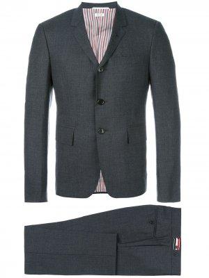 Брючный костюм Thom Browne. Цвет: серый