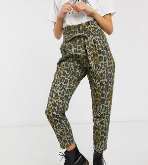 Зауженные джинсы с завязкой на поясе и камуфляжным принтом inspired-Мульти Reclaimed Vintage