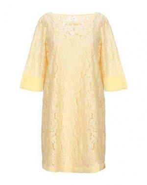 Короткое платье byTIMO. Цвет: светло-желтый