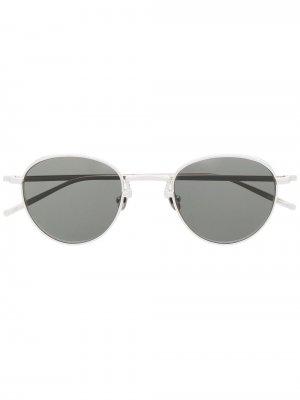 Солнцезащитные очки в круглой оправе Matsuda. Цвет: серебристый