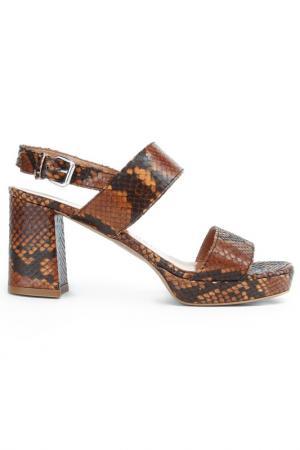 Туфли летние открытые Alba. Цвет: коричневый